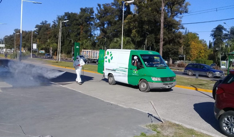 CONTINÚAN LAS TAREAS DE VAPORIZACIÓN CON DESINFECTANTE EN EL DISTRITO