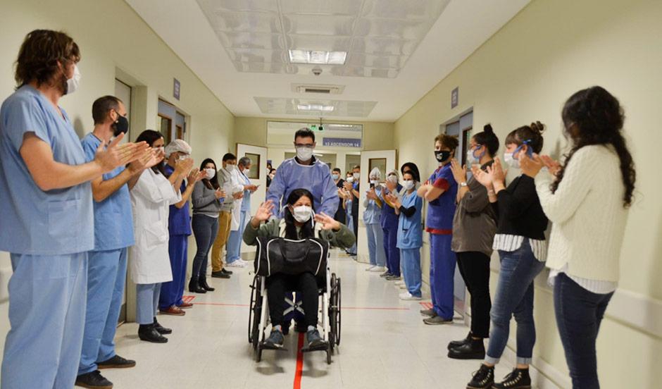 Fue dada de alta la primera paciente con COVID atendida en el Hospital del Bicentenario de Esteban Echeverría