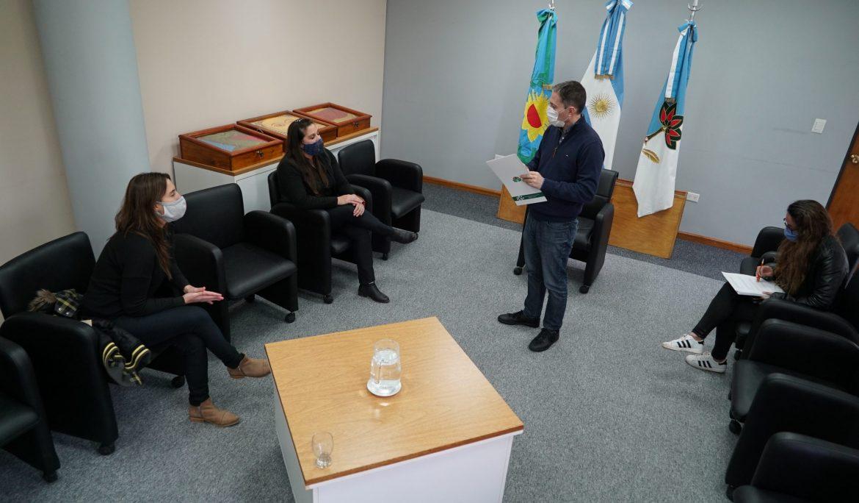 FERNANDO GRAY ENTREGÓ SUBSIDIOS A INSTITUCIONES EDUCATIVAS