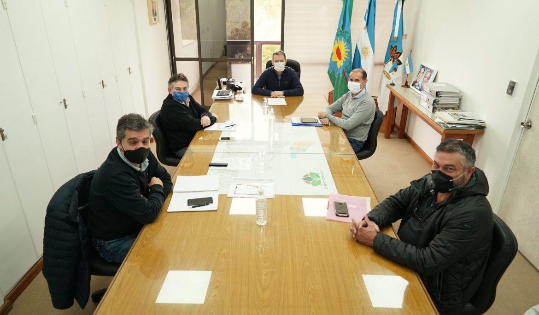 FERNANDO GRAY JUNTO AL SUBSECRETARIO DE RECURSOS HÍDRICOS DE LA PROVINCIA
