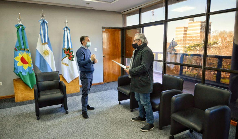 """FERNANDO GRAY ENTREGÓ SUBSIDIO A LA ASOCIACIÓN """"EL CAMPITO REFUGIO"""""""