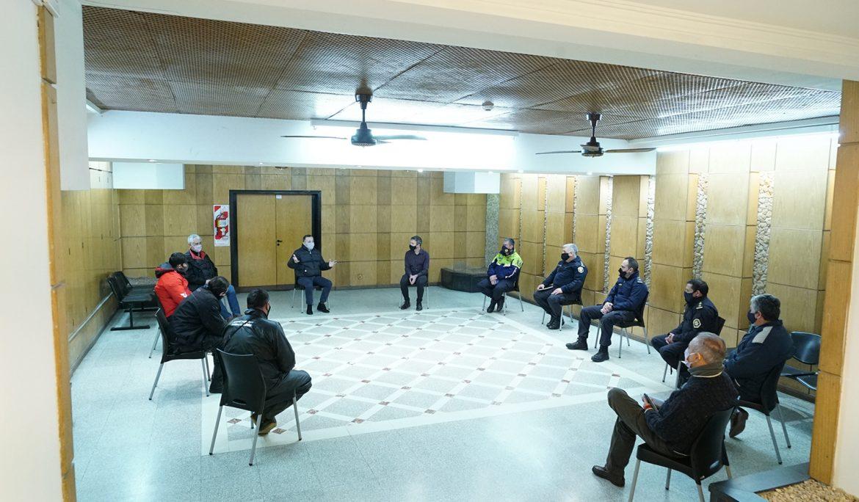 FERNANDO GRAY SE REUNIÓ CON REPARTIDORES Y DELIVERIES EN EL CENTRO OPERATIVO DE MONITOREO