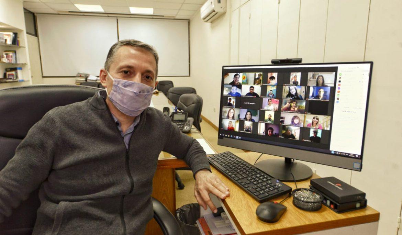 FERNANDO GRAY EN VIDEOCONFERENCIA CON ESTUDIANTES DEL DISTRITO