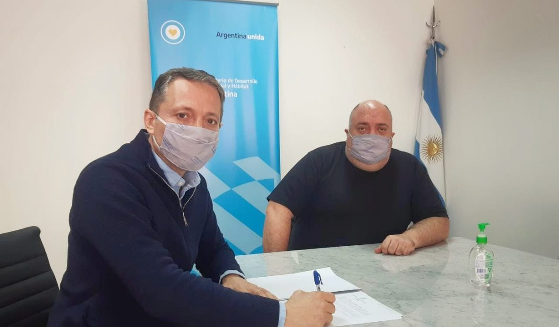 FERNANDO GRAY FIRMÓ CONVENIO CON LA SECRETARÍA DE HÁBITAT DE LA NACIÓN