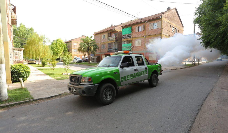 CONTINÚAN LOS OPERATIVOS DE FUMIGACIÓN EN EL DISTRITO