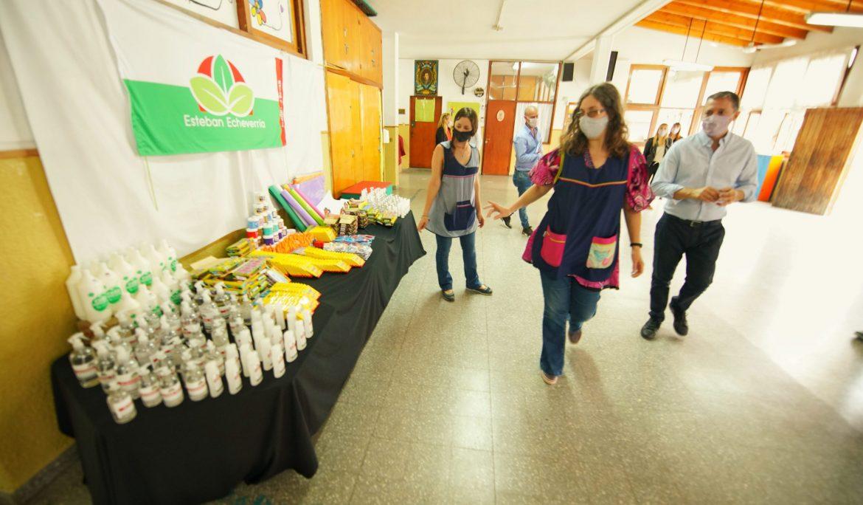 FERNANDO GRAY RECORRIÓ INSTITUCIONES EDUCATIVAS Y UN CENTRO DE VACUNACIÓN EN MONTE GRANDE CENTRO