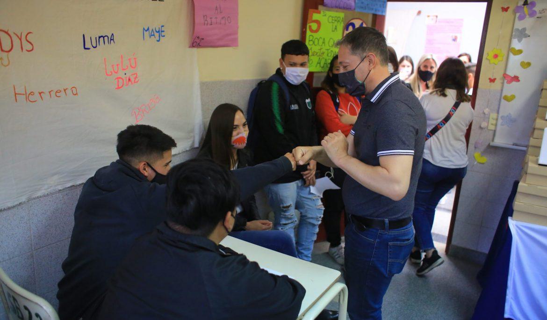 FERNANDO GRAY RECORRIÓ INSTITUCIONES EDUCATIVAS DEL BARRIO SANTA ANITA DE MONTE GRANDE SUR