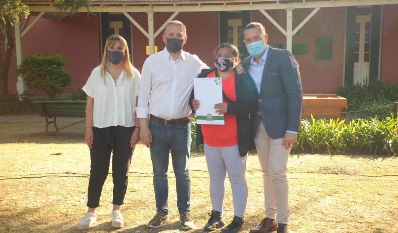FERNANDO GRAY OTORGÓ 35 BOLETOS DE COMPRAVENTA A FAMILIAS DEL BARRIO LOS NIÑOS DE LUIS GUILLÓN