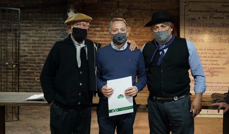 FERNANDO GRAY VISITÓ EL CENTRO TRADICIONALISTA DE ESTEBAN ECHEVERRÍA